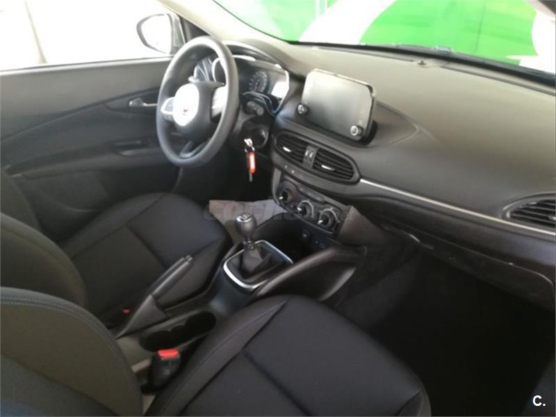 FIAT Tipo 1.4 16v Mirror 70kW 95CV
