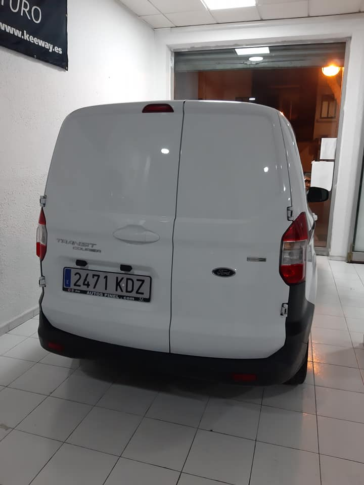 Ford Transit Courier Ecoboost